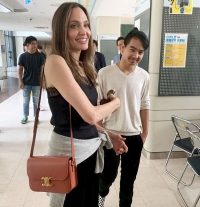 Angelina-Jolie-and-Maddox-Jolie-Pitts-First-Day-at-College