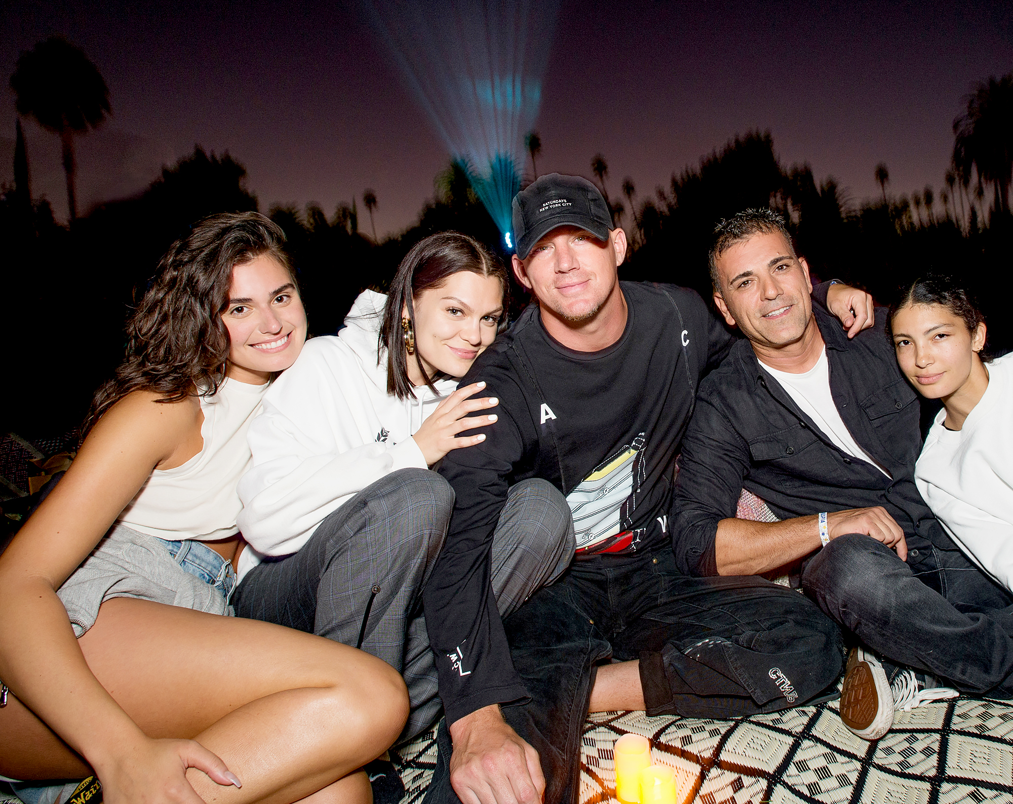 Channing-Tatum-and-Jessie-J-Get-Cozy-at-Intimate-Outdoor-Movie-Date