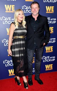 Dean McDermott Vacationing Tori Spelling 5 Kids Like Orgy