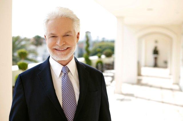 Celebrity Dermatologist Dr. Lancer Reveals How He Gets His A-List Clients Red Carpet Ready