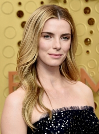 Emmys 2019 Drugstore Beauty - Betty Gilpin