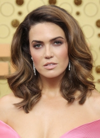 Emmys 2019 Drugstore Beauty - Mandy Moore