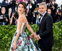 George-Clooney-gushes-over-Amal-Clooney