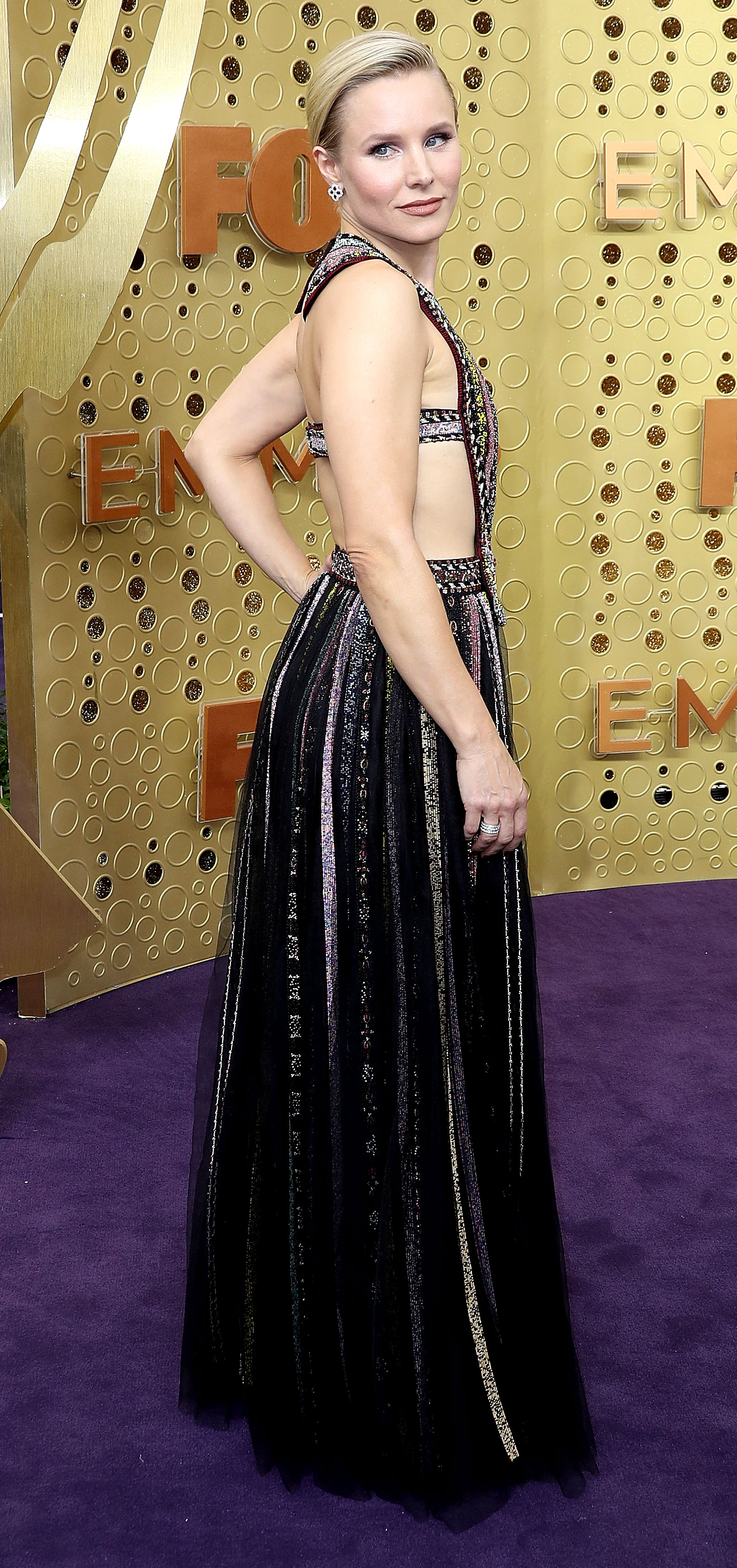 Kristen Bell Tattoos Under Chin: The Secret To Getting Kristen Bell's Colorful Emmys