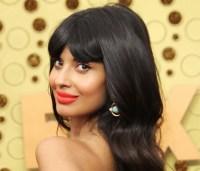 Jameela-Jamil-Emmys-2019-Makeup-2