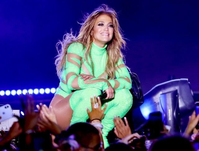 Jennifer Lopez Is in Talks to Headline Super Bowl 2020 Halftime Show