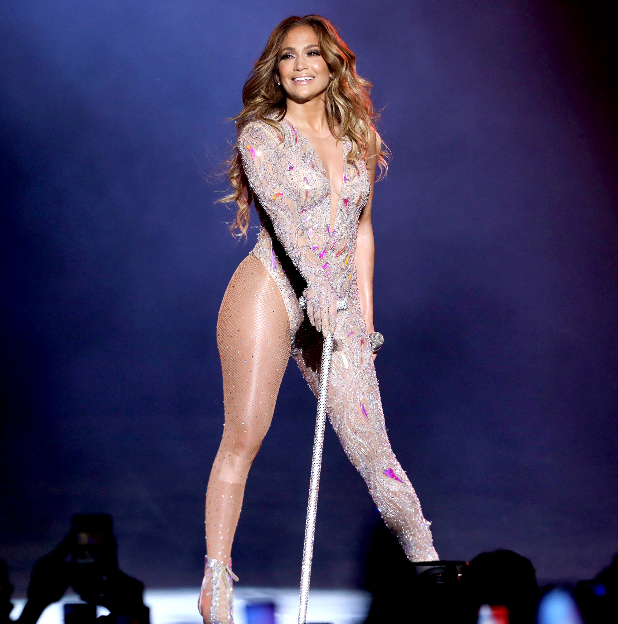 Jennifer-Lopez-to-open-Super-Bowl