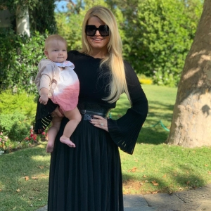 Jessica Simpson Loses 100 Lbs 6 Months After Baby