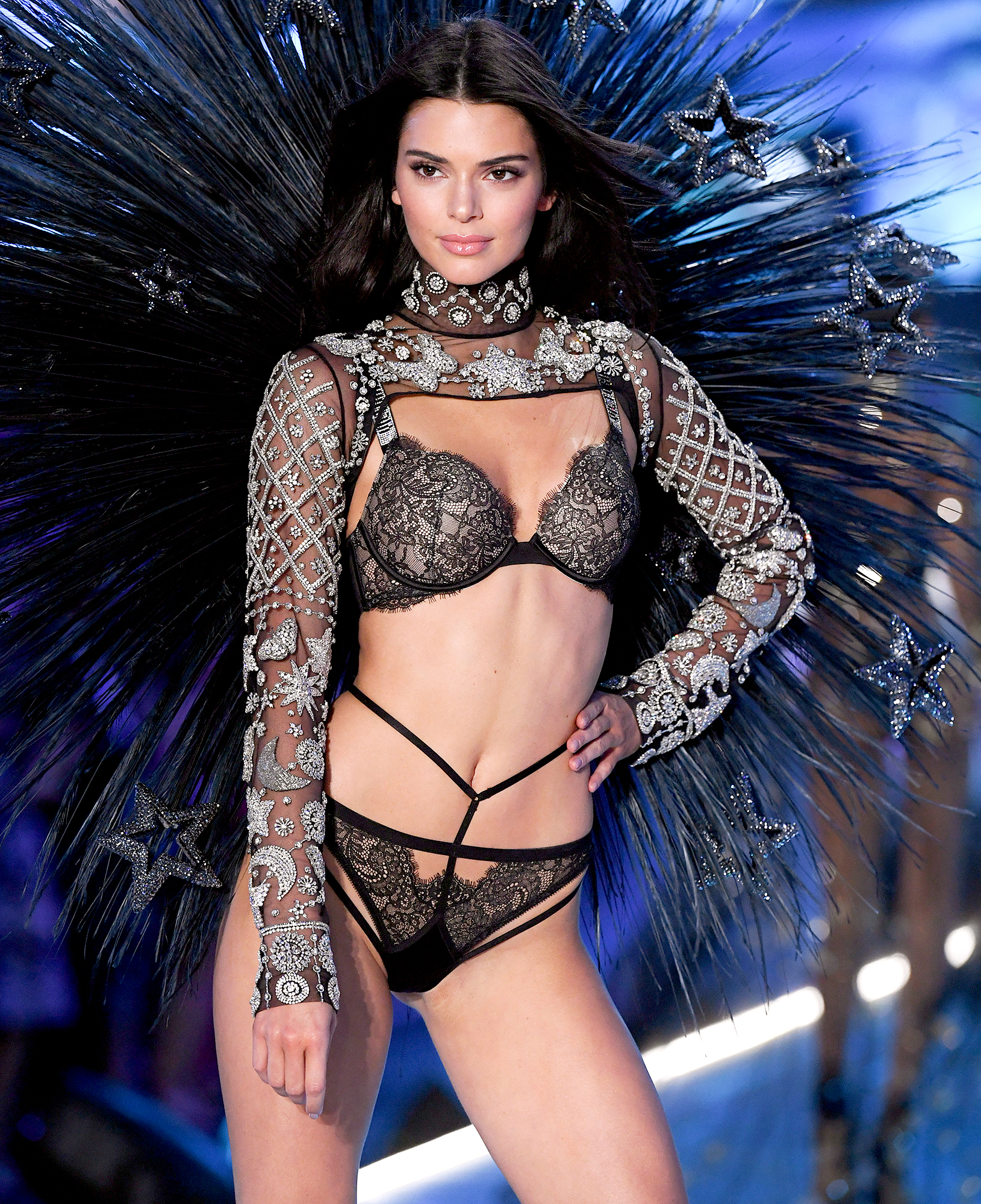 Kendall-Jenner-abs