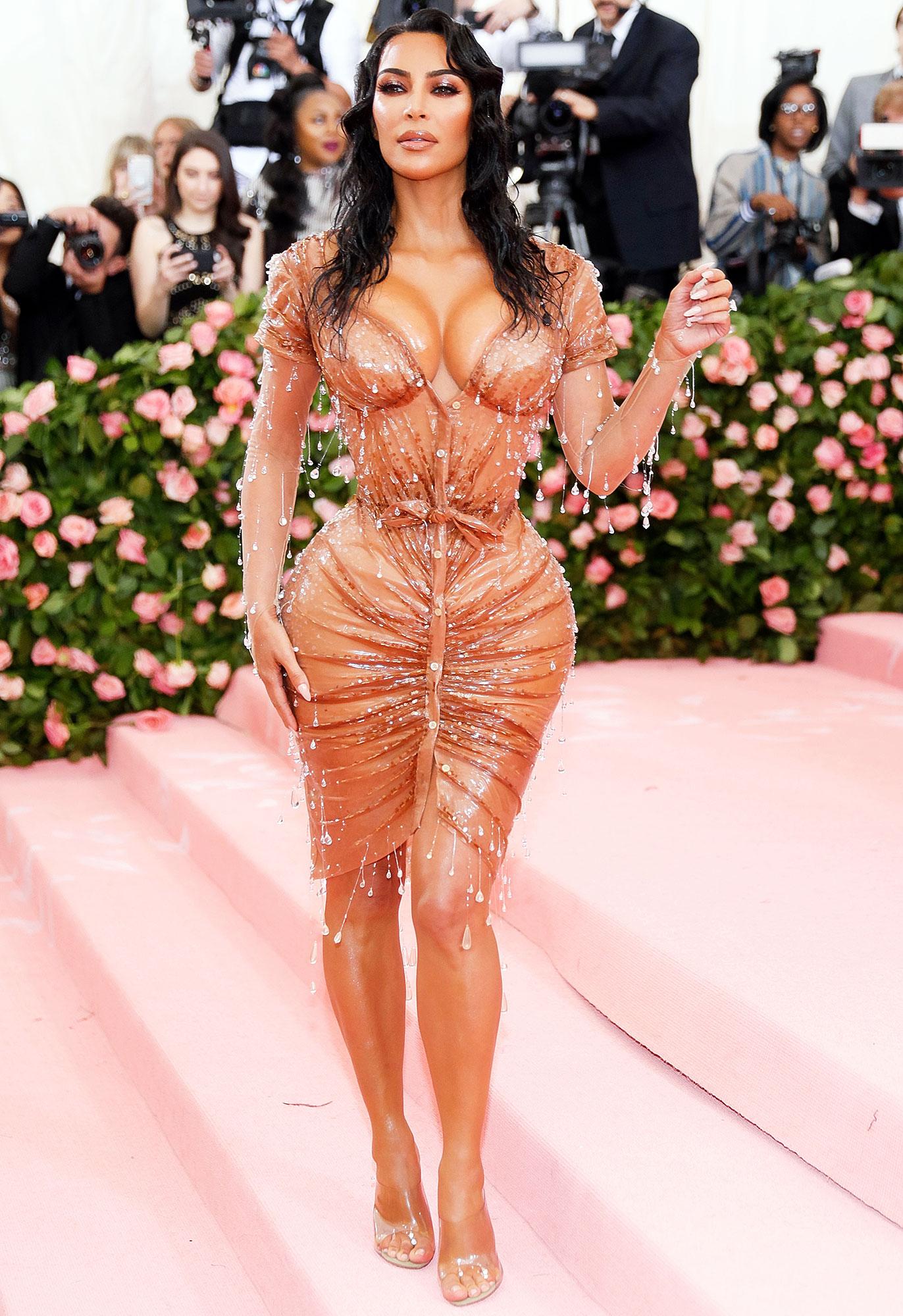 Kourtney Kardashian Slams Kim Kardashian Met Gala Look on KUWTK