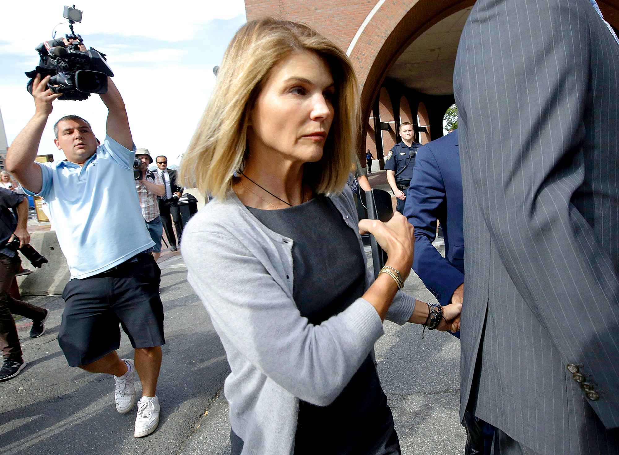 Lori-Loughlin-Worked-With-Image-Consultant-Before-Court-Appearance