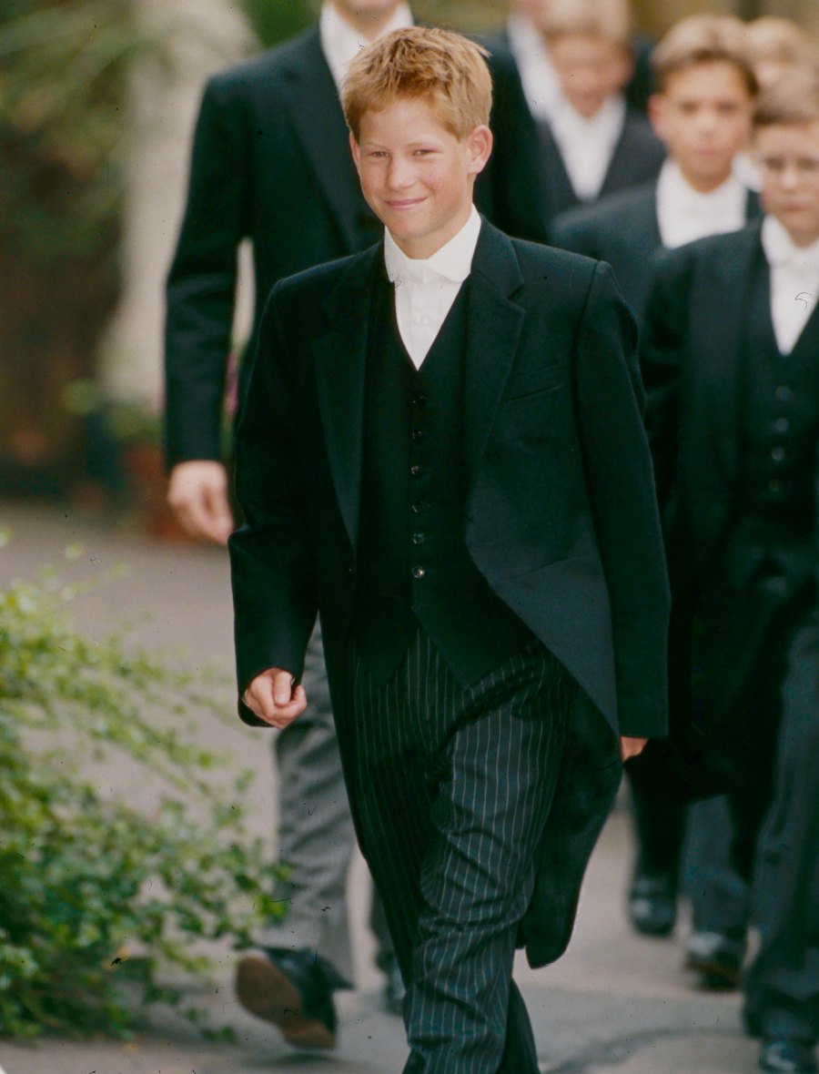 PRINCE-HARRY-FIRST-1ST-DAY-AT-ETON-COLLEGE-