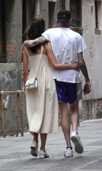 Pete Davidson and Margaret Qualley Link Arms During Stroll Around Venice