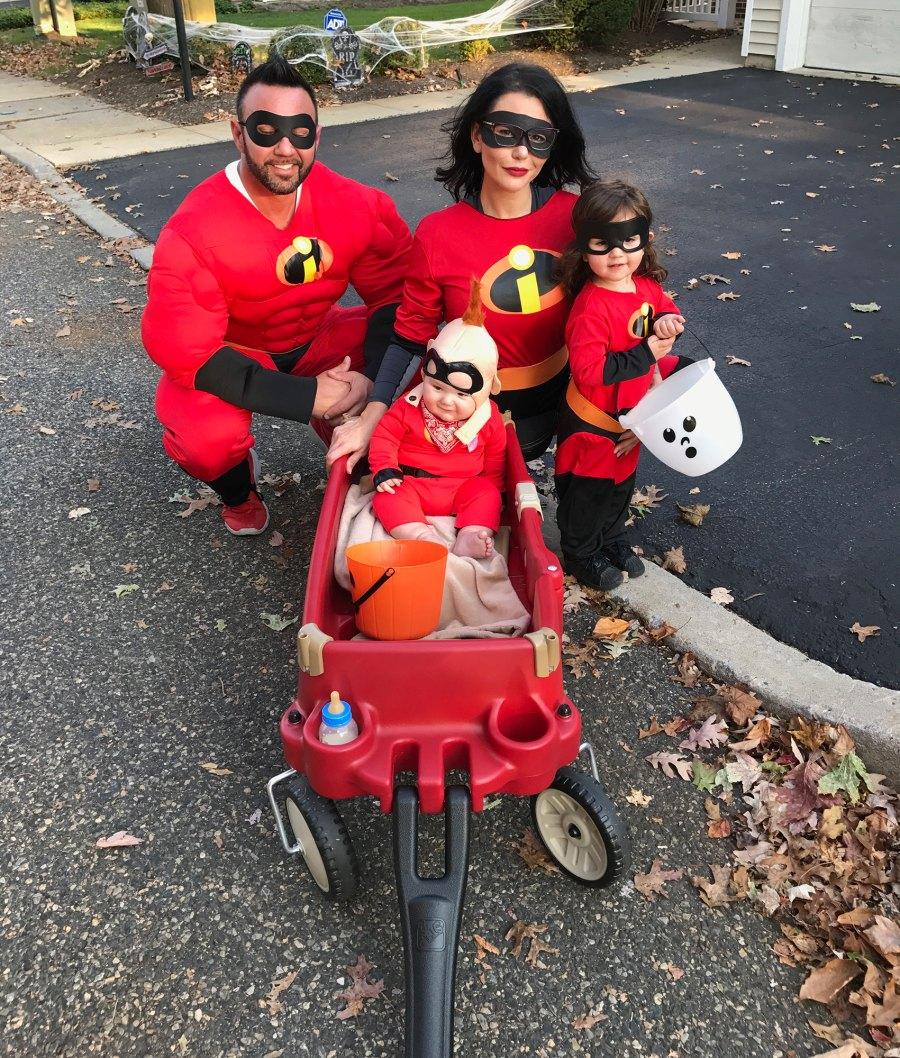 Roger-Mathews-Jen-Farley-and-children-Halloween