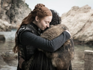 Sophie Turner Kit Harington Hug Game of Thrones