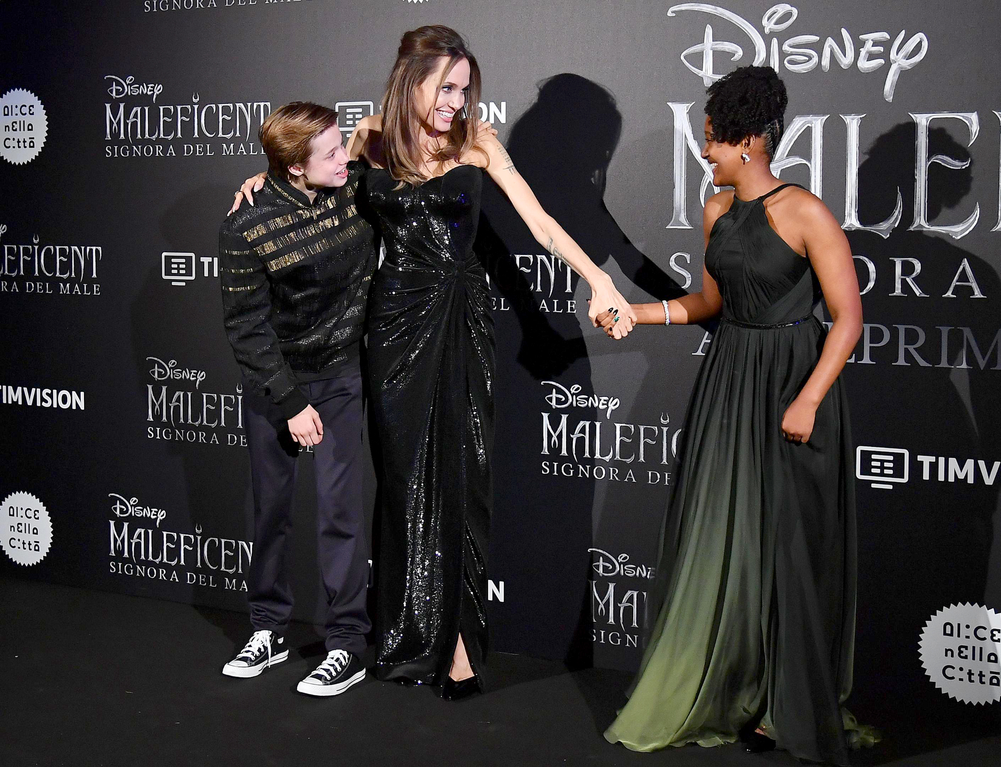 Angelina Jolie S Kids Join Her At Maleficent Premiere Pics