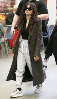 Celebs Wearing Sweats in Public: See the Stars Looking Comfy-Cozy in Casual Ensembles!