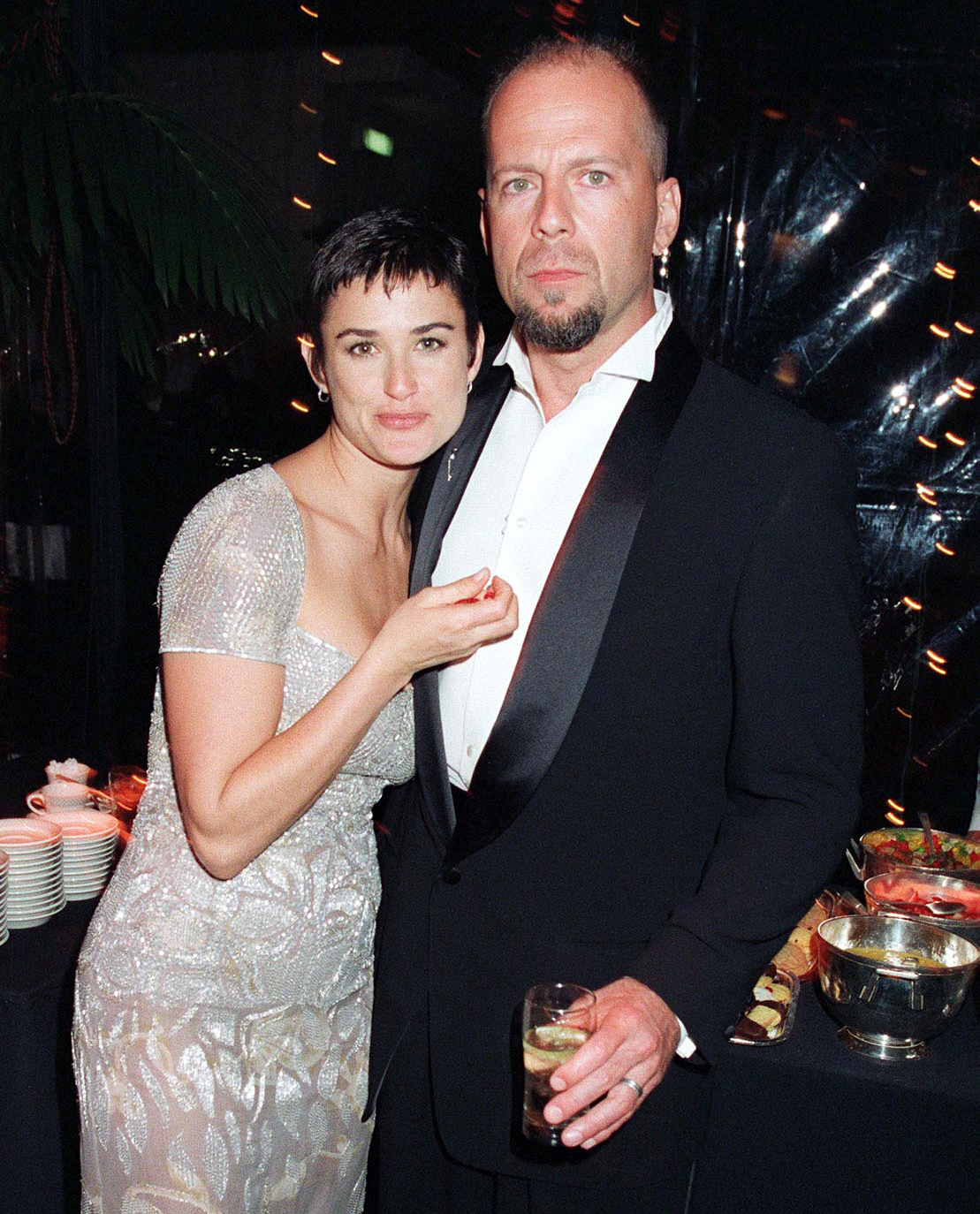 Demi-Moore-and-Bruce-Willis-1997