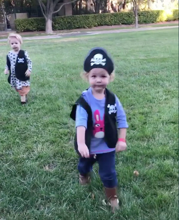 Gia and Coco Reynolds Daniel Coulter Reynolds Instagram Halloween Costumes