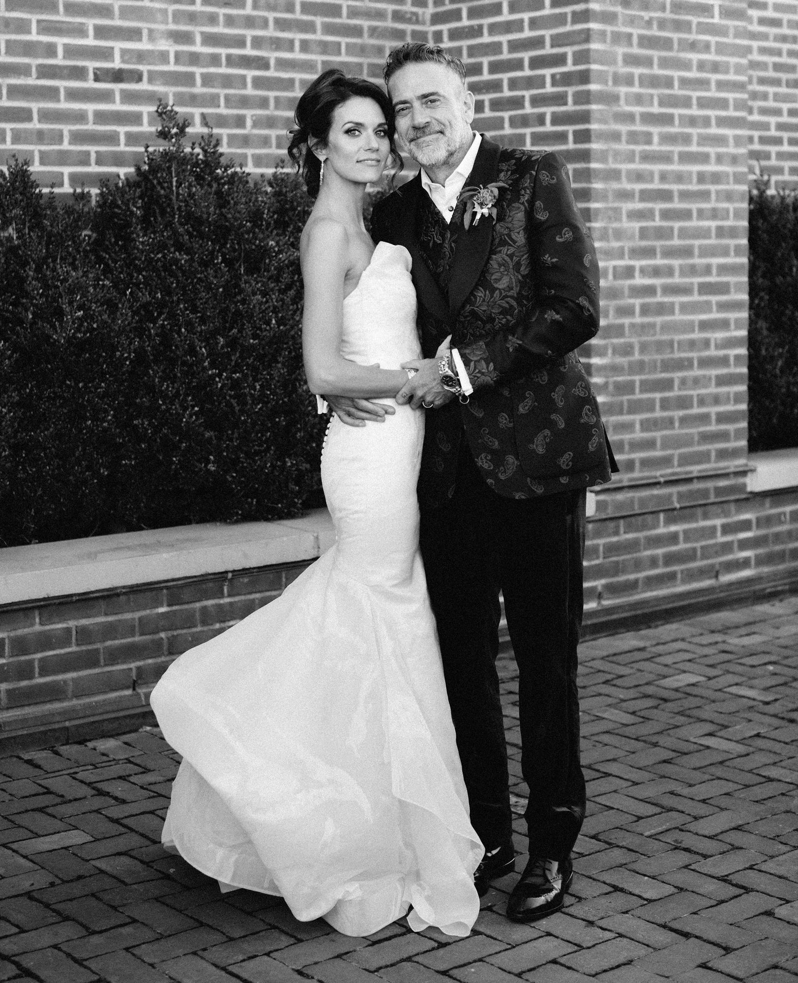 Hilarie-Burton-and-Jeffrey-Dean-Morgan-wedding-photo
