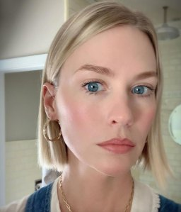 January Jones Is Trying to Make '90s-Style Dark Lip Liner a Thing … Again