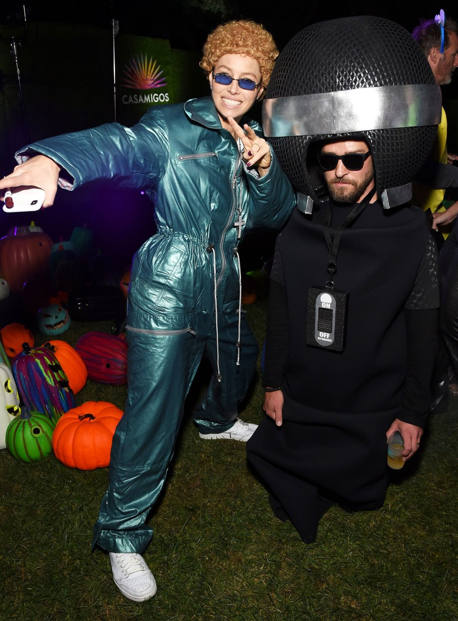 Jessica Biel as Justin Timberlake and Justin Timberlake as a Microphone for Halloween Costume 2019