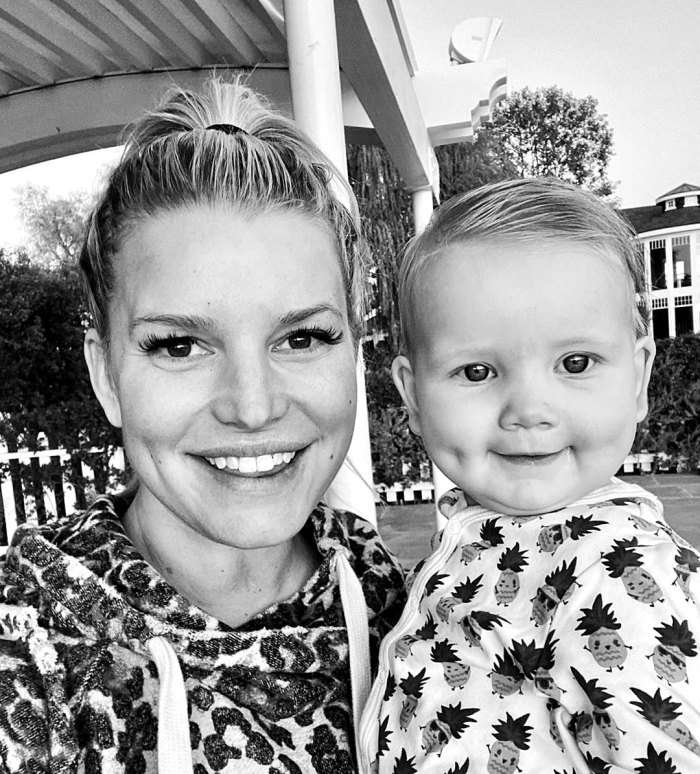 Jessica Simpson's Daughter Has Matching Dimples