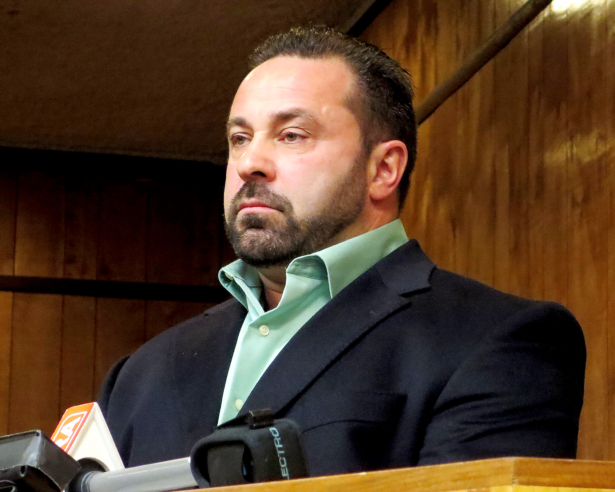 Joe-Giudice-Looks-Totally-Different-in-First-Photo-Since-ICE-Release-2