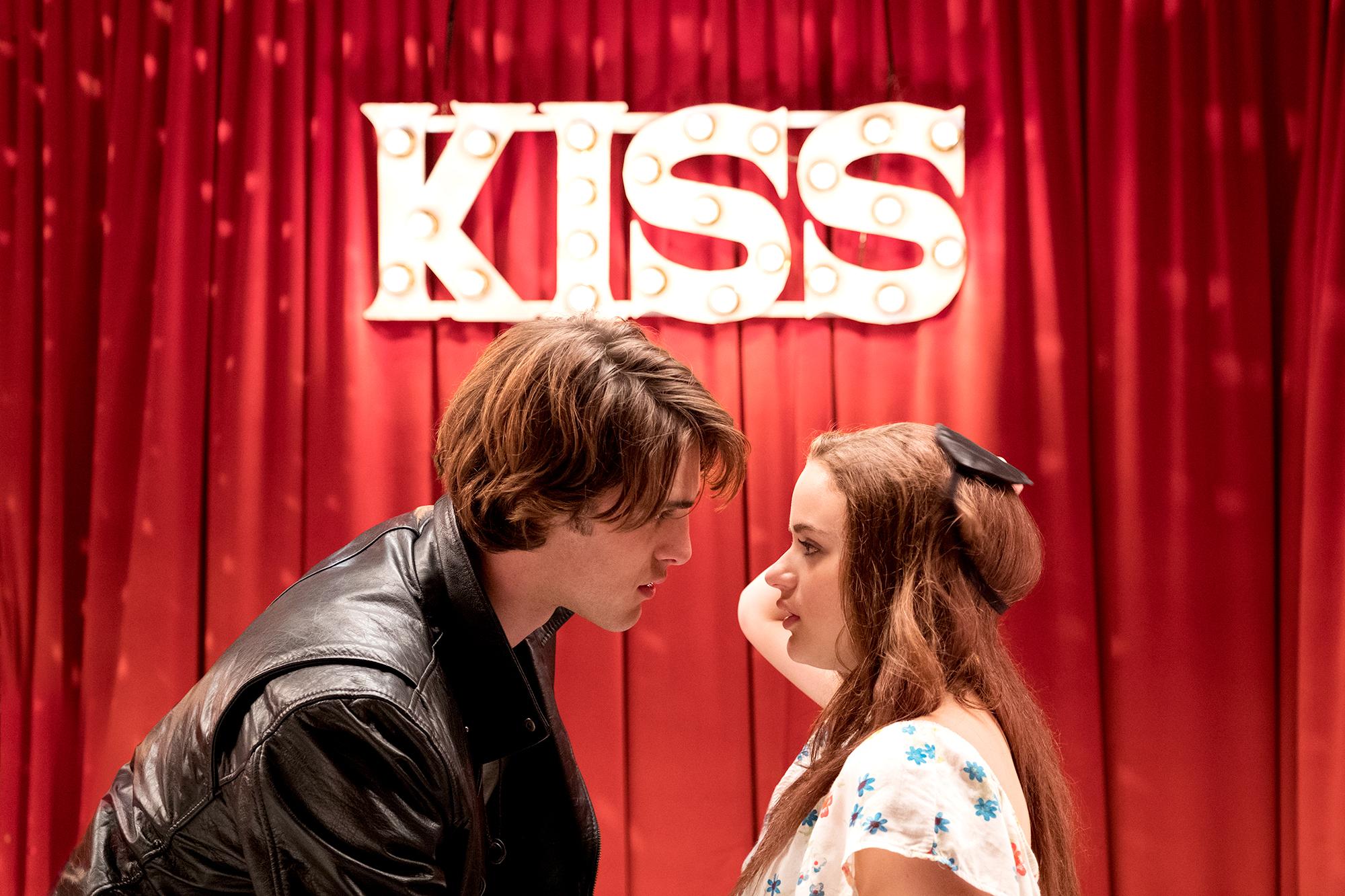 Joey-King-Jacob-Elordi-The-Kissing-Booth-2