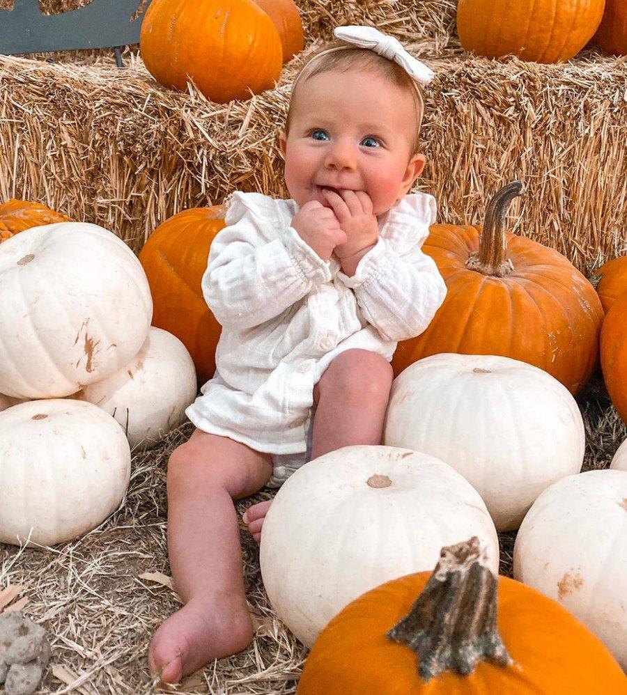 Lauren-Burnham-and-Arie-Luyendyk-Jr.-pumpkin-patch