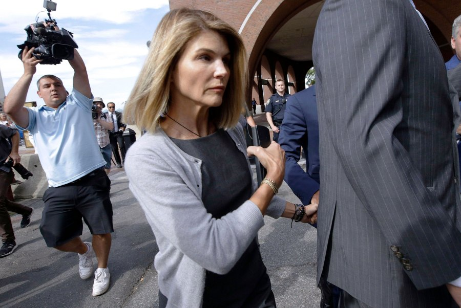 Lori Loughlin New Bribery Charges Court