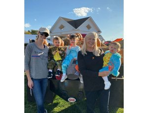 Meghan King Edmonds Pumpkin Patch With Kids Instagram