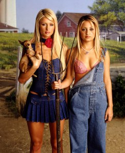 Paris Hilton Still Watches Simple Life Hangs Out With Nicole Richie
