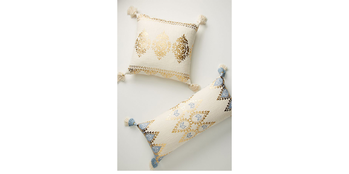 Tasseled-Leticia-Pillow