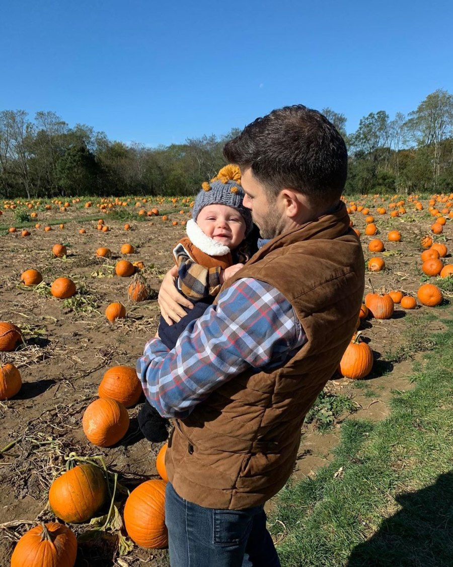 Celebrities Visit Pumpkin Patches Jerry Ferrara and Breanna Racano