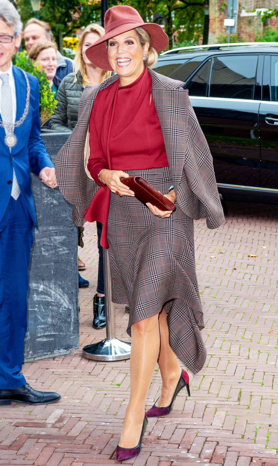 Queen Maxima Plaid Blazer October 9, 2019
