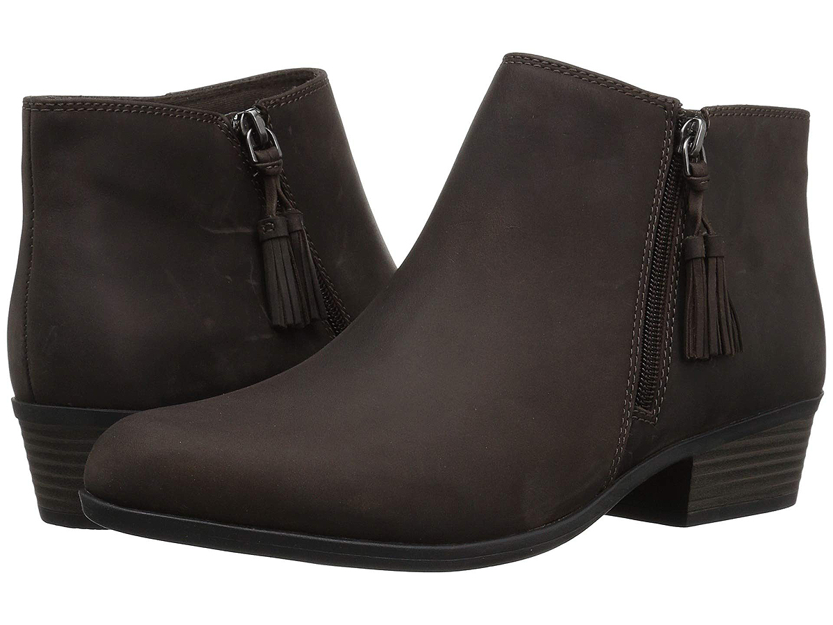 Clarks Addiy Terri boots taupe