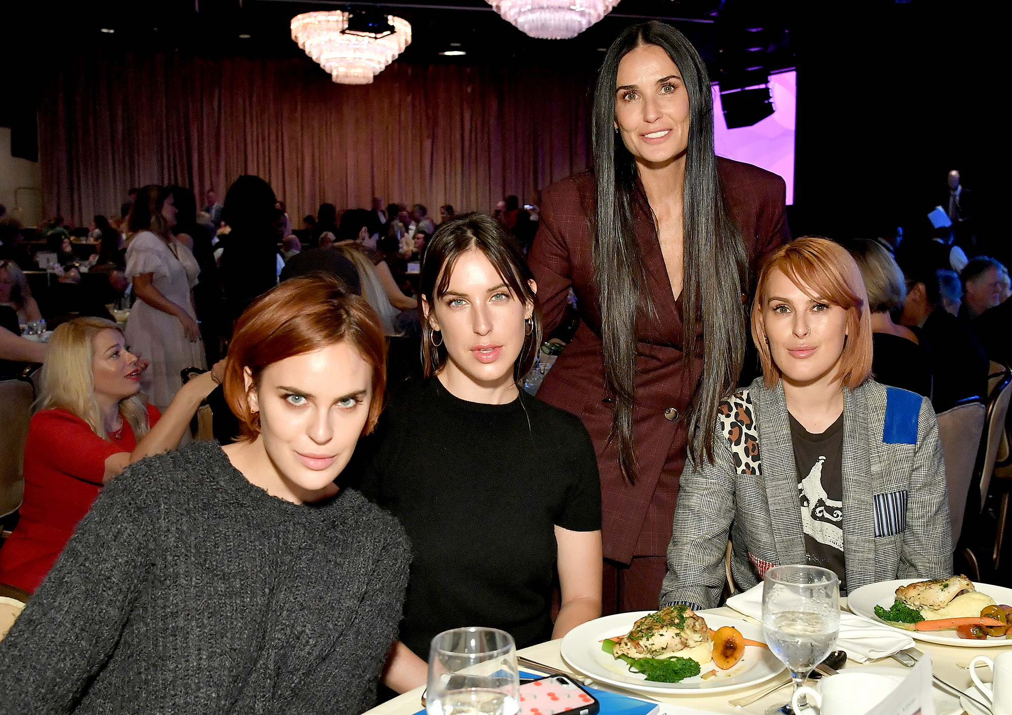Demi-Moore-and-Her-Daughters-Talk-About-Her-Relapse
