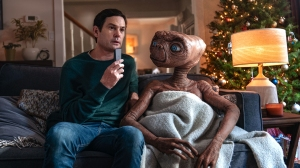 E.T. Reunites With Original Elliot Henry Thomas in Heartwarming Commercial