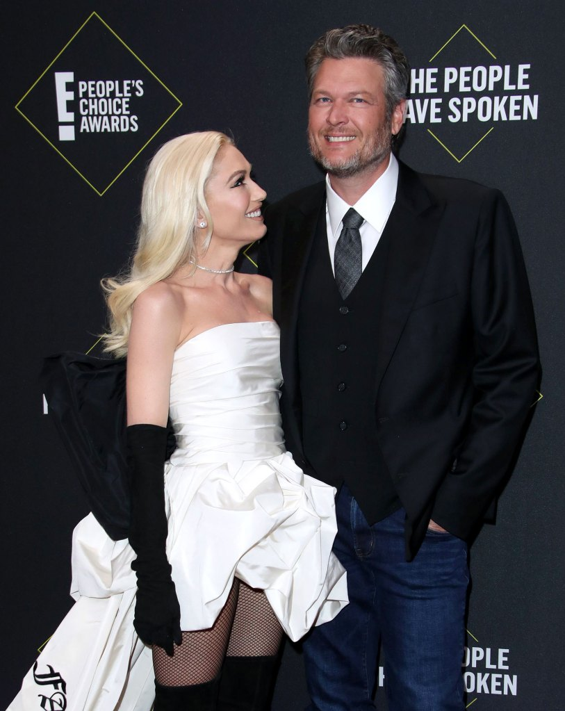 Gwen Stefani Sweetly Cheers on Blake Shelton 2019 CMA Awards