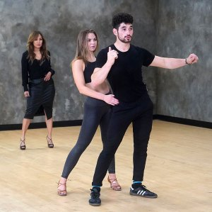 Hannah Brown on the Brink of Tears With Carrie Ann Inaba During DWTS Rehearsals
