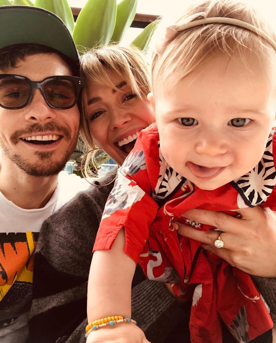 Hilary-Duff-and-Matthew-Koma-Daughter-Banks-Starts-Walking-at-12-Months-2