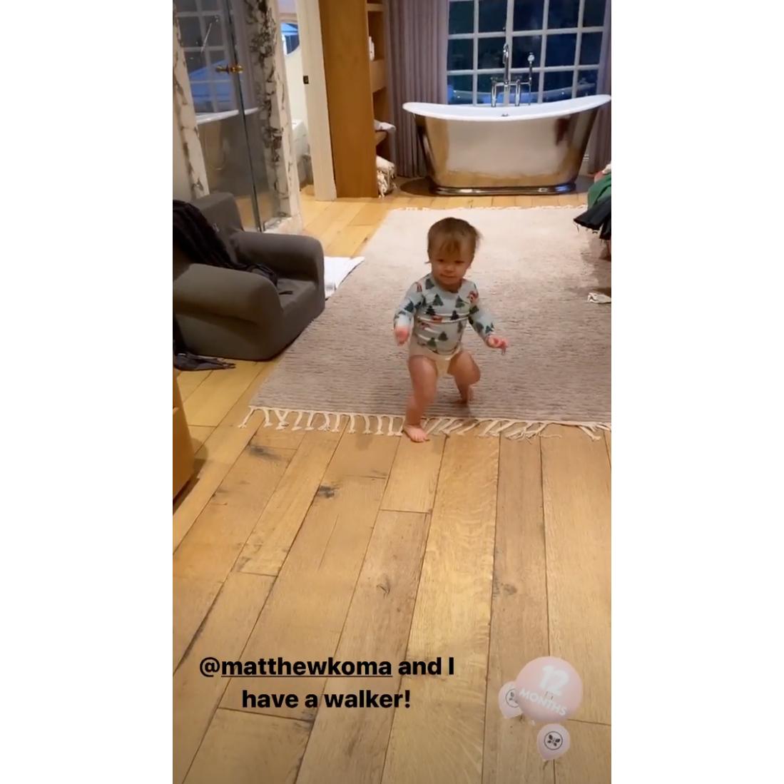 Hilary-Duff-and-Matthew-Koma-Daughter-Banks-Starts-Walking-at-12-Months