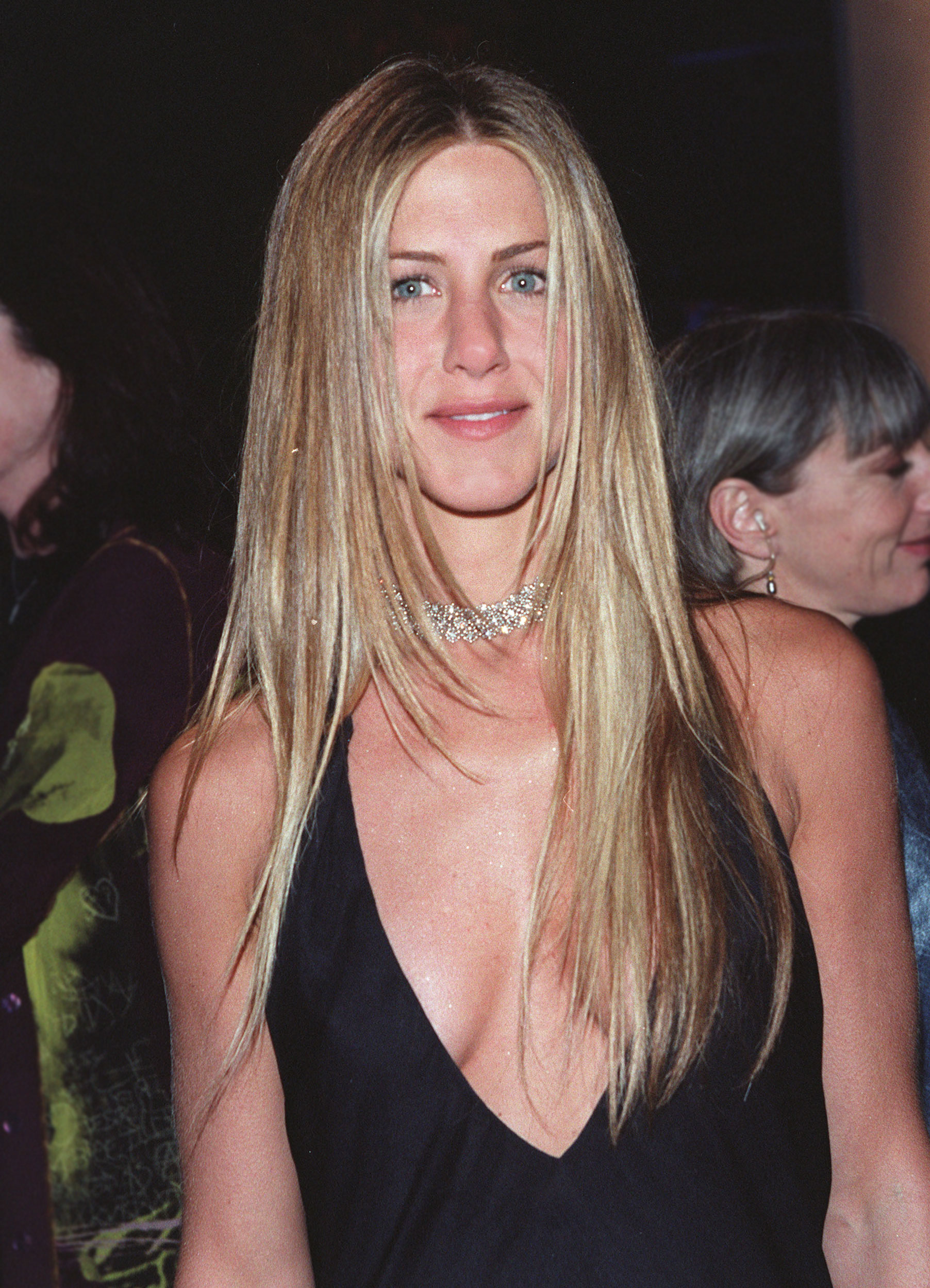 Jennifer Aniston Hair Stylist Justine Marjan S Tips For Layers