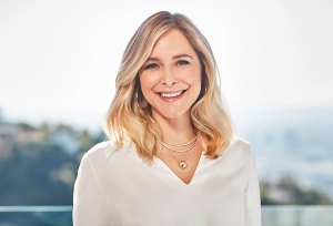 Jenny Mollen Thinks Botox Is Better Than Therapy: 'It Does Wonders for Your Psyche'