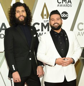 Justin Bieber Requested Dan Shay Debut 10000 Hours at His Wedding