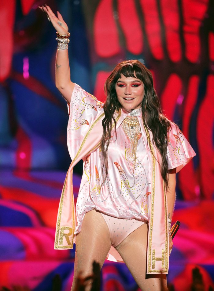 Kesha Returns to AMAs 2019 for First Show in Six Years