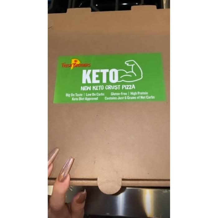 Khloe-Kardashian-Keto-pizza