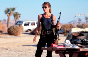 Linda Hamilton Opens Up About Aging Hollywood