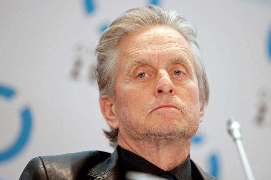 Michael-Douglas-and-Catherine-Zeta-Jones 8-August-2010-diagnosed-with-stage-IV-squamous-cell-carcinoma-oral-cancer